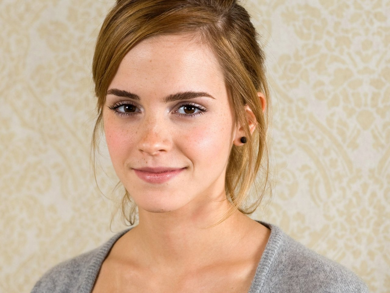 emma watson 3 women 3 journeys. Black Bedroom Furniture Sets. Home Design Ideas